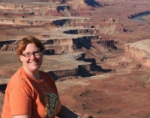 Assoc. Prof. Linda Kah is integral part of the NASA Curiosity rover team