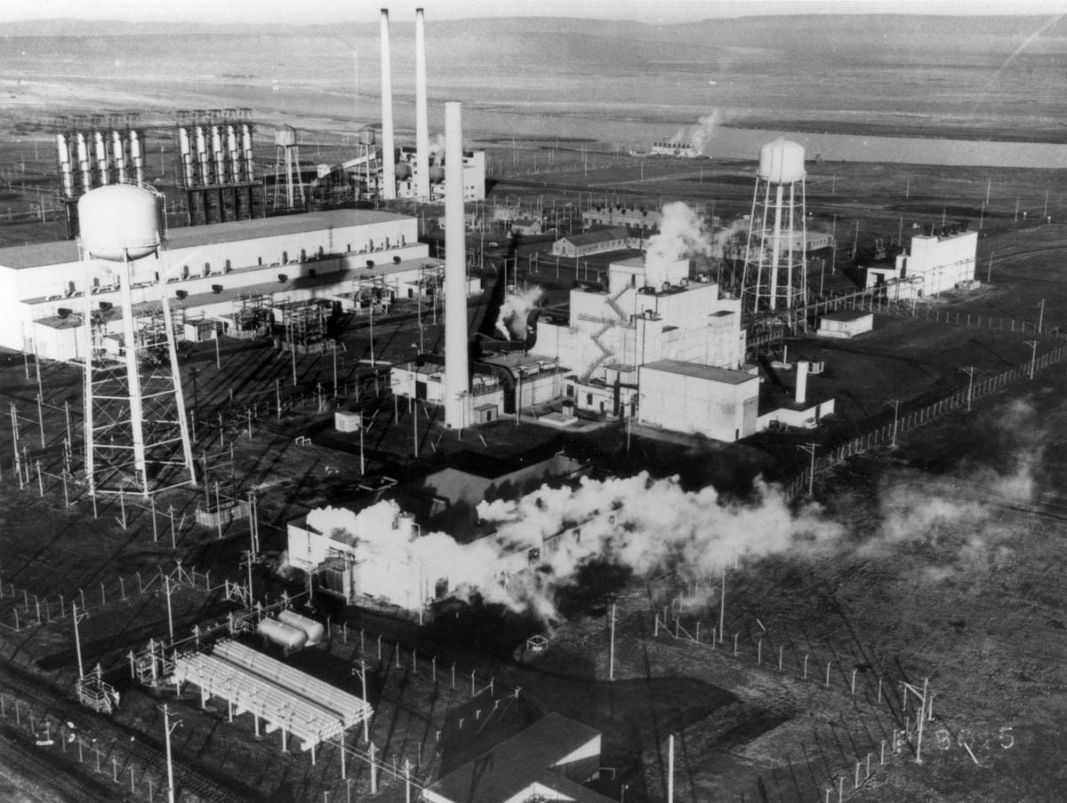 manhattan project facts The manhattan project was one of the major successes in the field of nuclear science the project brought the actual power of nuclear fission reactions and was the perfect combination of science, industry, and technology.