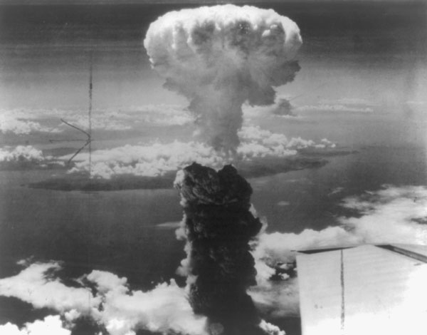 a history of the manhattan project and the bombing of japan Find this pin and more on interesting facts/ feisty history in august defends atomic bombing of japan as this shows some of the men of the manhattan project.